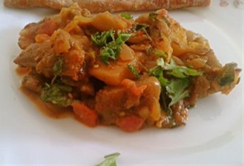 Aloo Baingan Recipe – Curried eggplant and potato recipe