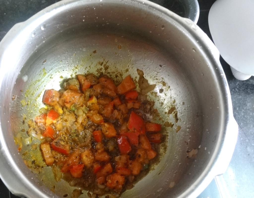 aloo gajat matar recipe step by step