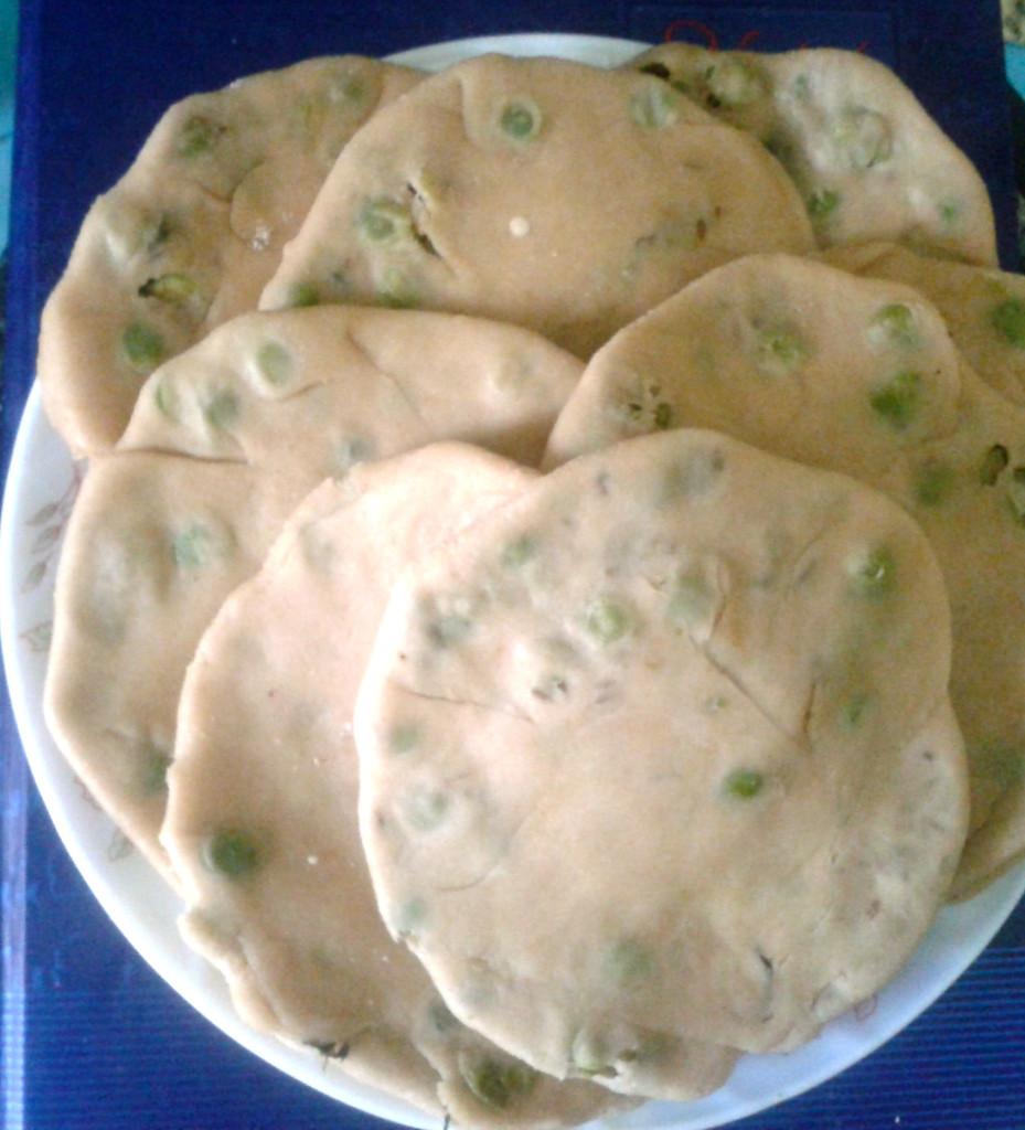 matar kachori dough filled