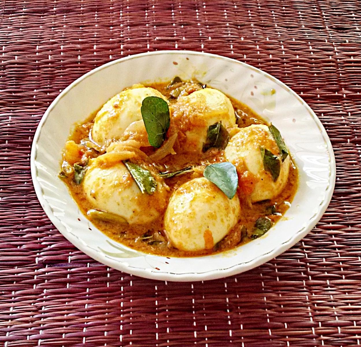Kerala style egg curry recipe egg roast paleo recipe kerala style egg curry egg roast paleo recipe kerala mutta roast forumfinder Images