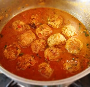 chicken kofta curry recipe chicken meatballs curry