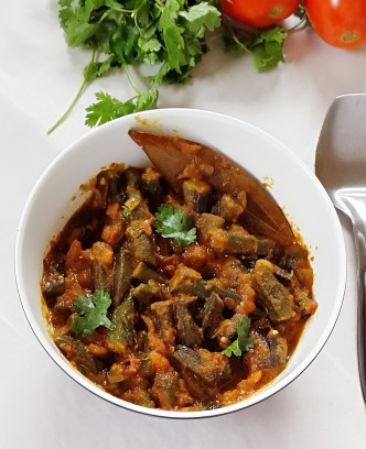 bhindi masala gravy recipe - fried okra:gumbo:lady fingers in a spicy tomato sauce