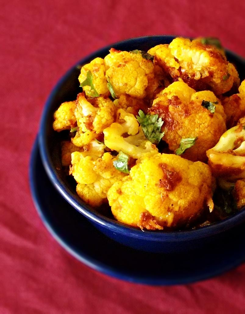 cauliflower with garlic recipe - lasooni gobi