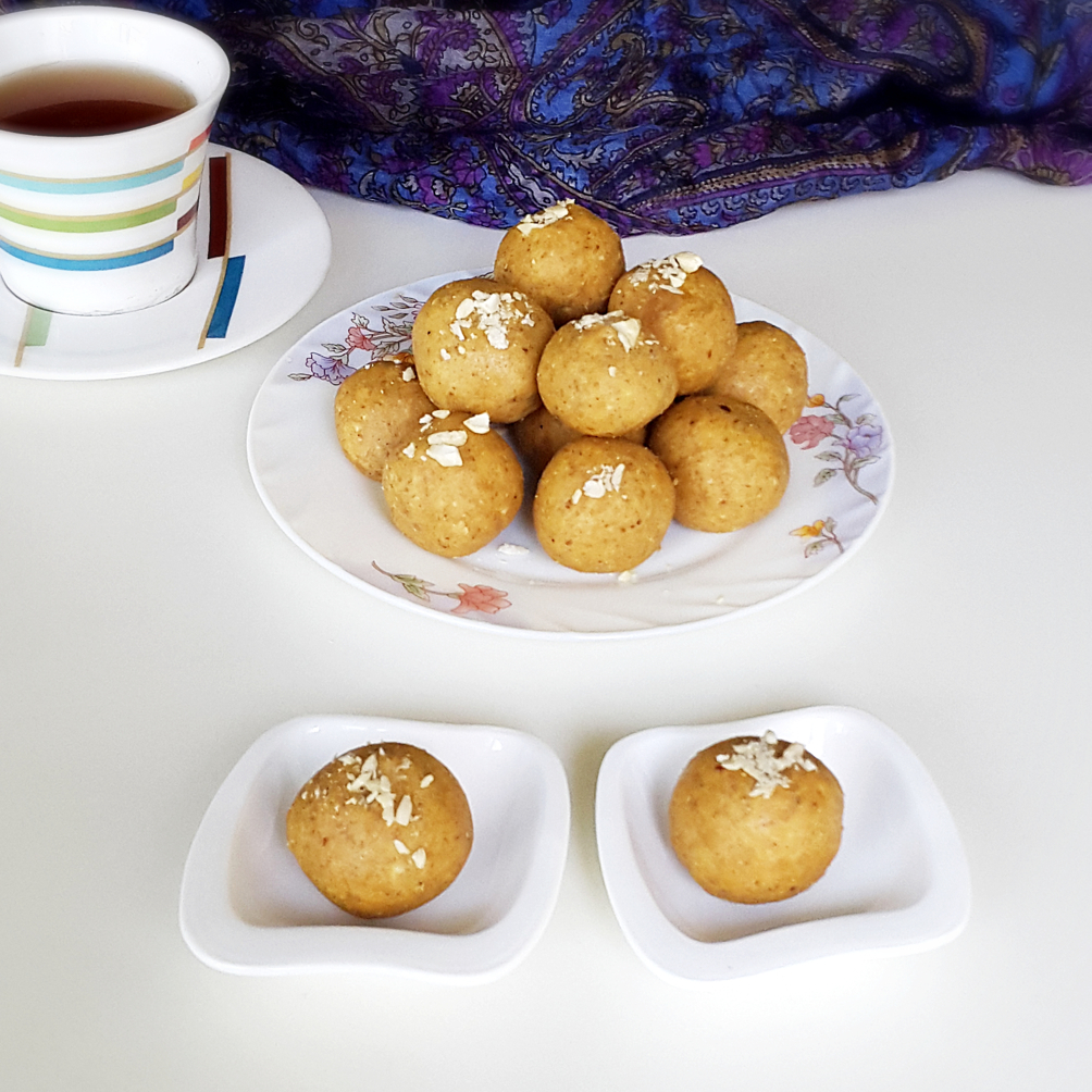 Besan ladoo recipe sweet chickpea flour balls with cashews and besan laddoo recipe forumfinder Choice Image